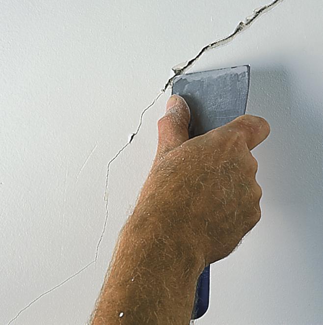 Pęknięcia na ścianie