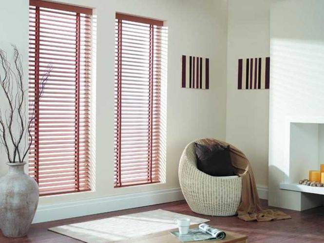 Dekoracje okienne - żaluzje drewniane