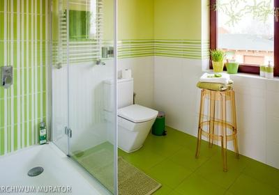Zielona łazienka pachnąca lasem. Aranżacje łazienek z zielonymi płytkami