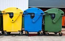 Segregacja odpadów. Rozszyfrowujemy kolory i rodzaje pojemników na śmieci