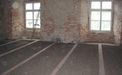 Materiały do izolacji akustycznej stropu. Jak wyciszyć podłogę?