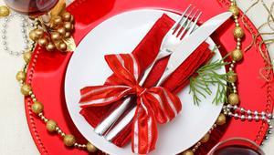 Składanie serwetek na wigilijny stół - 3 pomysły. Obejrzyj poradniki WIDEO z instrukcją, jak złożyć serwetki