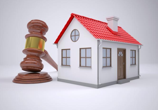 Egzekucja z nieruchomości - jak się bronić, gdy komornik ma zająć dom