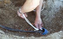 Zabezpieczenie instalacji elektrycznych w ogrodzie: o czym musisz pamiętać?
