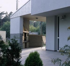 Nowoczesny kominek może być elementem konstrukcji domu