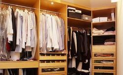 Jak nie projektować mebli i szafek? Te błędy popełniamy, urządzając sypialnię i przedpokój